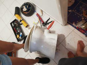 Oprava upchatého záchoda Karlova ves