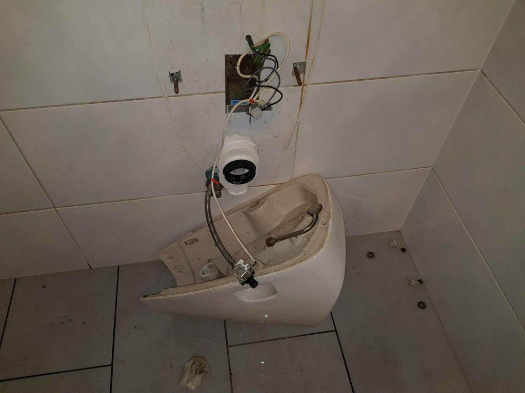 Oprava záchoda Dúbravka